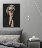 Poster Kvinna med Runda Solglasögon