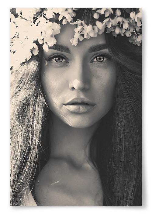 Poster Kvinna med Blomsterkrans